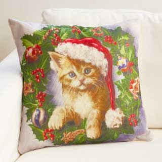 Mira design Tyyny Christmas Cat 45 x 45 cm